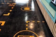 21.vinilo-de-corte-para-suelo-de-OT-en-colaboracion-con-MC-decorados2