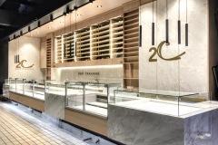 21.retail-mobiliario-vinilos-corporeas-laton