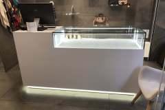 23.mobiliario-expositor-iluminado2