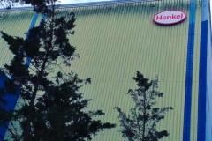13.rotulo-caja-luz-alumino-lacado-mas-pmma-blanco-y-vinilo-rojo-corte-Henkel2