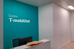 33.Pinrura-pared-color-corporativo-mas-PVC-T-Mobilitat