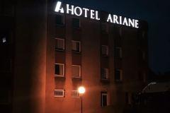 92.rotulo-corporeas-alumino-mas-pmma-iluminadas-y-estructura-hierro-Hotel3