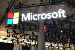01.montaje-corporeas-aereas-para-stand-Microsoft1