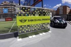 65.a.evento-photocall-con-estructura-pmma-transparente-mas-pies-hierro-lacado-y-pelotas-en-interior-pmma-fresado-con-luz-Mini-BMW
